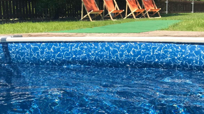 Vyhřívaný venkovní bazén